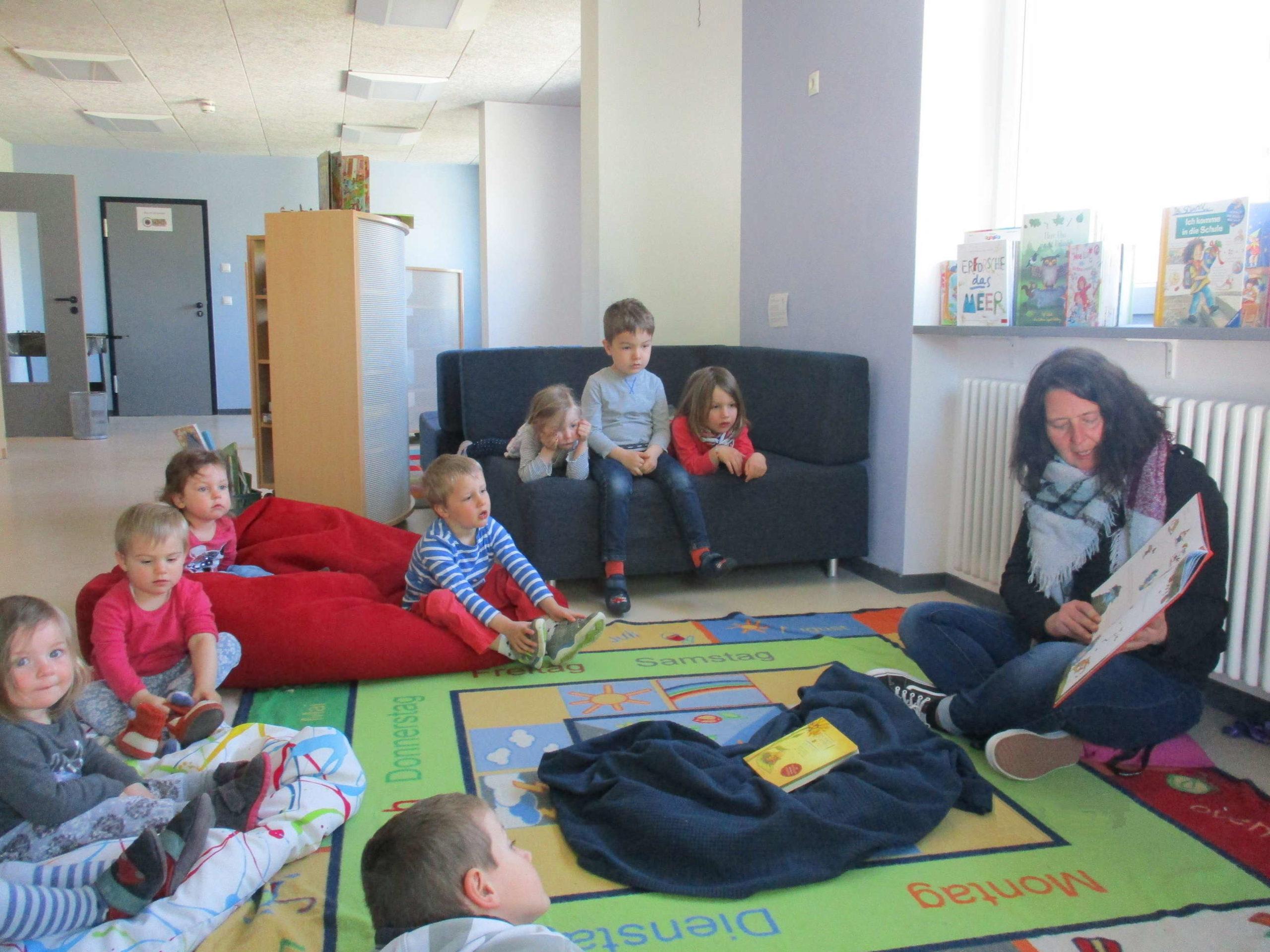 """Am Freitag, den 23. April feierten die Kinder aus dem Haus des Kindes mit ihren Erziehern und Erzieherinnen den von der UNESCO bereits 1995 erstmals ausgerufenen """"Welttag des Buches"""". Der […]"""